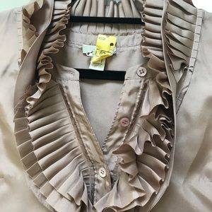Silk sleeveless ruffle shirt, blush color